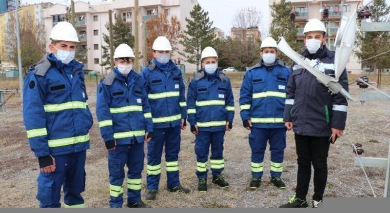 Sivas'ta 18 öğrenci ÇEDAŞ'ın 'yıldızlar kadrosuna' dahil oldu