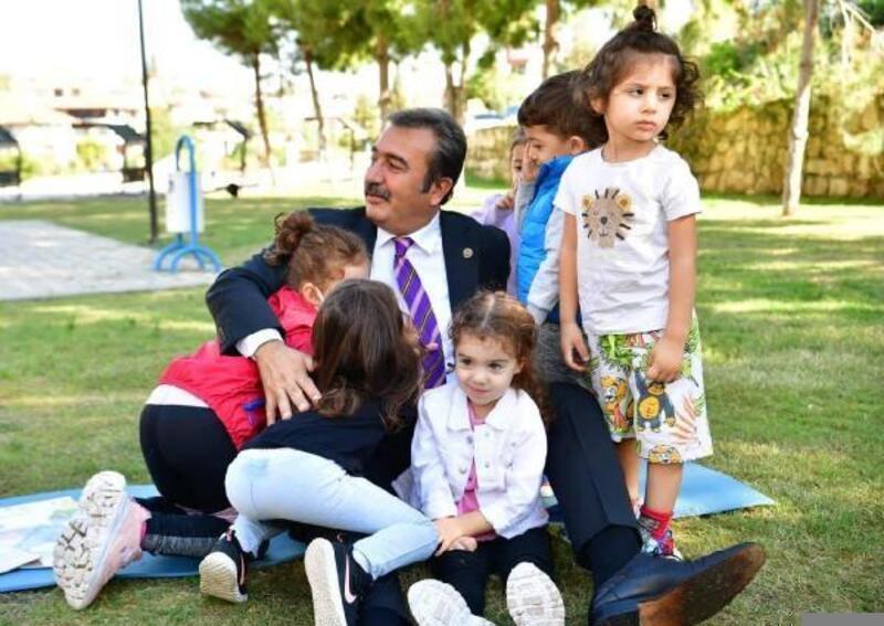 Başkan Soner Çetin, güne çocuklarla başladı