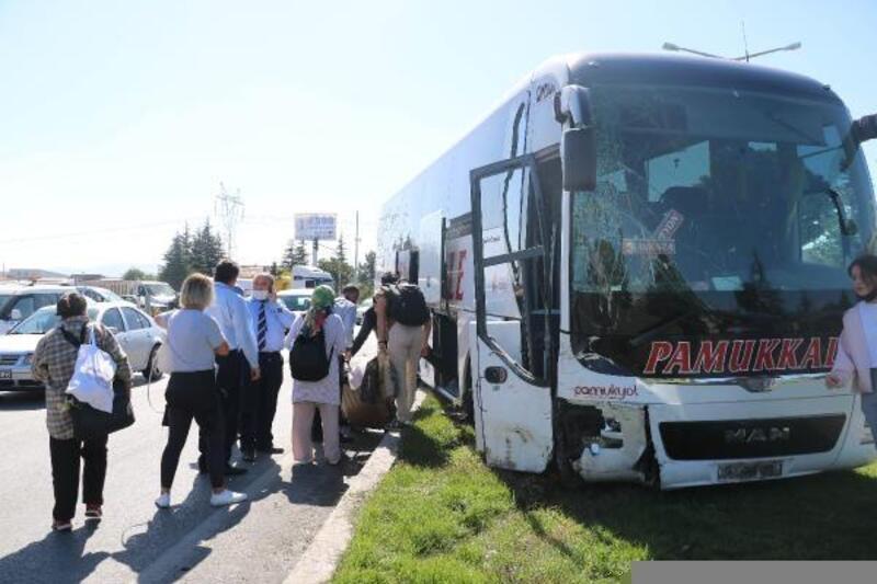 Otobüsle minibüs çarpıştı: 1 yaralı