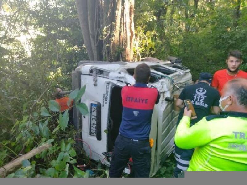 Kontrolden çıkan kamyonet 100 metreden uçtu