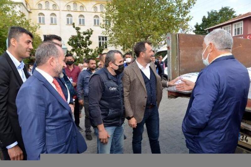 Süleymanpaşa Belediyesi'nden 300 çiftçiye yem bitkisi tohumu desteği