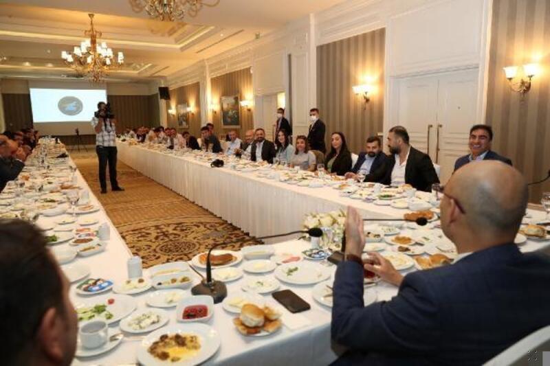 Kaymakam Aydın, gazetecilerle toplantıda tanıştı