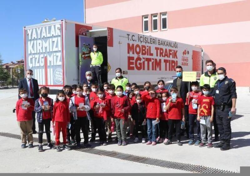 Mobil Eğitim Tırı Burdur'da