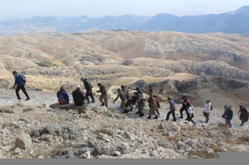 Engellilerden Nemrut Dağı'nda aşı çağrısı
