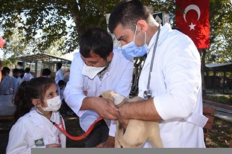 Küçük veteriner hekimler hayvanların kalbini dinledi
