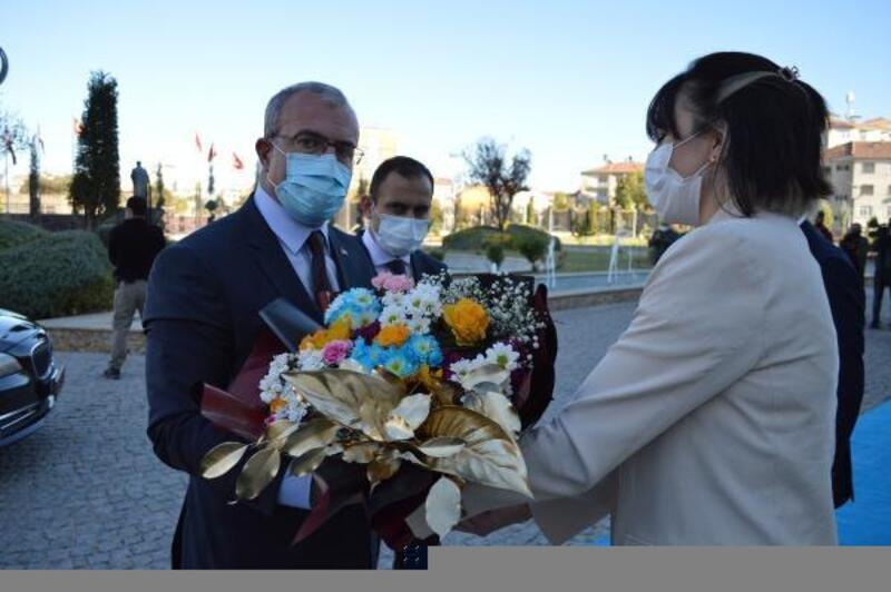 Elazığ'a atanan Vali Ömer Toraman, görevine başladı