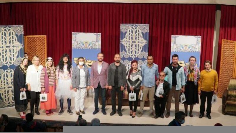 Mustafakemalpaşa Belediyesi Bölge Tiyatrosu, interaktif oyun sergiledi