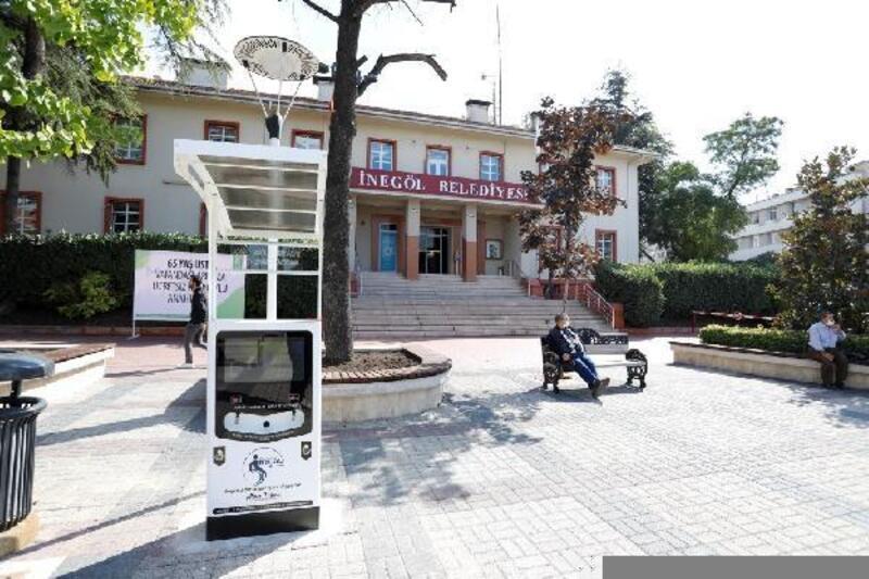 İnegöl'de akülü araçlar için şarj istasyonları kuruldu