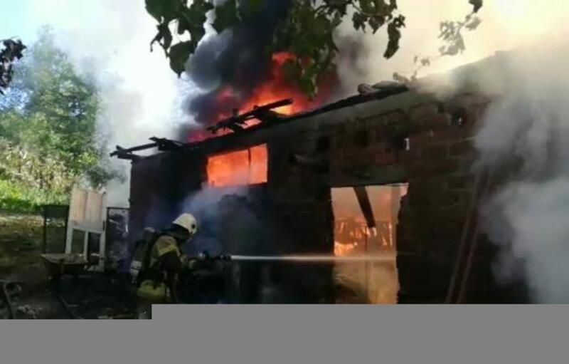 İnegöl'de, depoda çıkan yangın itfaiye ekipleri tarafından söndürüldü
