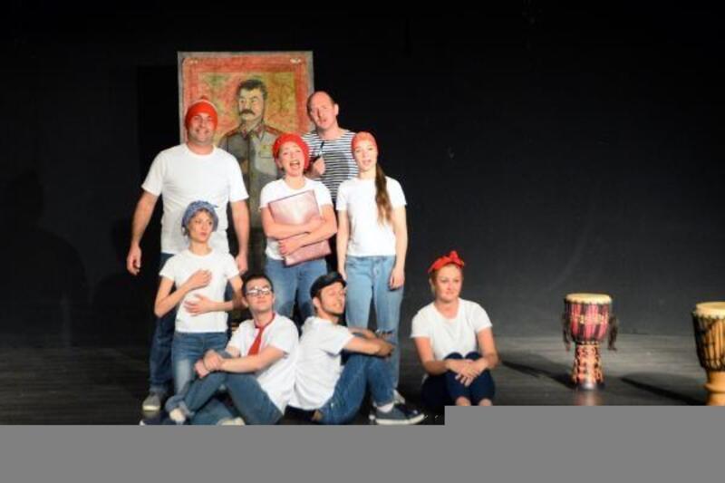 Nazım Hikmet'in hayatı, Rusça tiyatro oyunu ile sahnelendi