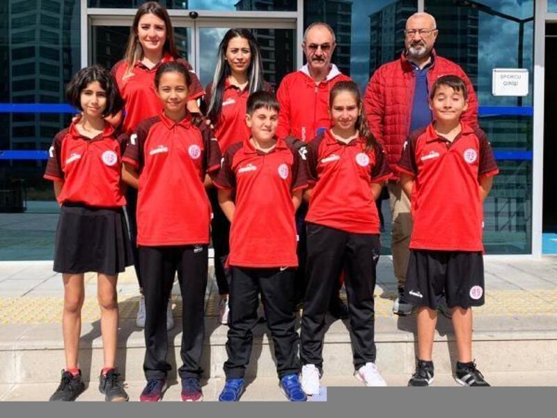 Masa Tenisi takımı Ankara'da