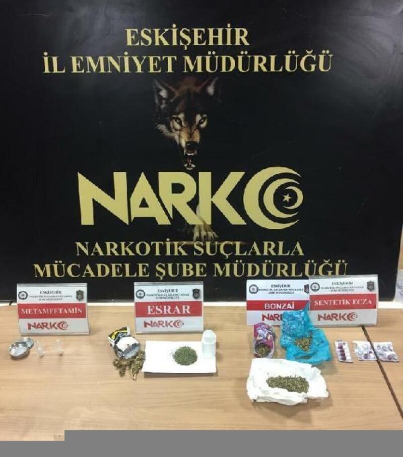 Eskişehir'de uyuşturucu operasyonuna 4 tutuklama