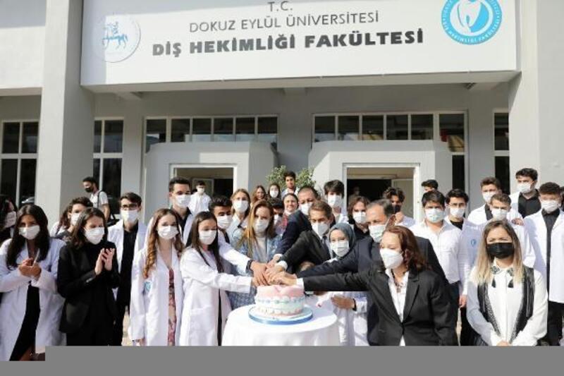 DEÜ Diş Hekimliği Fakültesi ilk öğrencilerine kavuştu