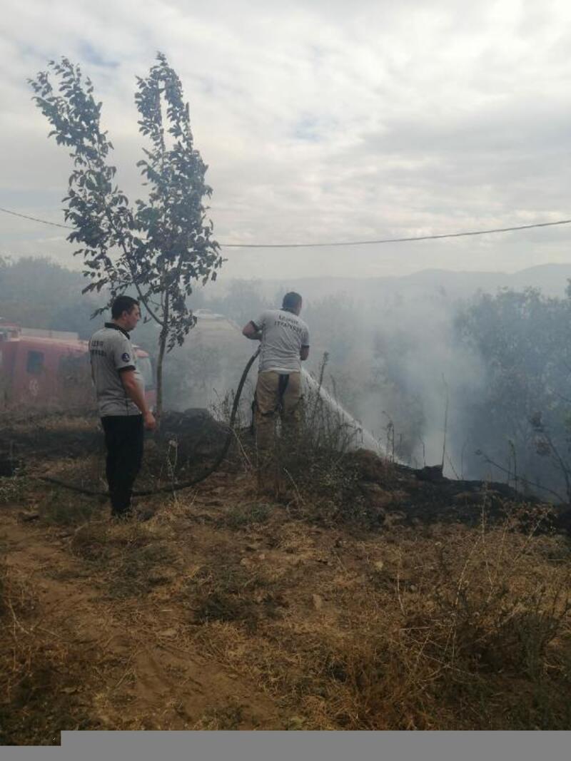 Kiraz'daki orman yangını büyümeden söndürüldü