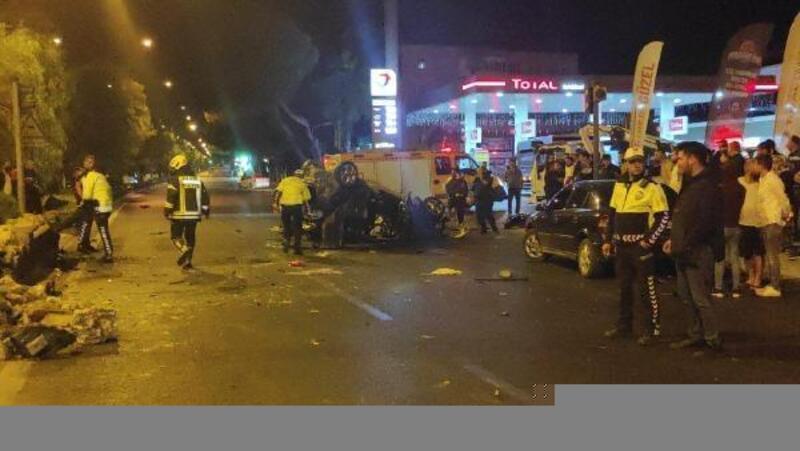 Nazilli'de kavşakta otomobil ile cip çarpıştı: 2 yaralı