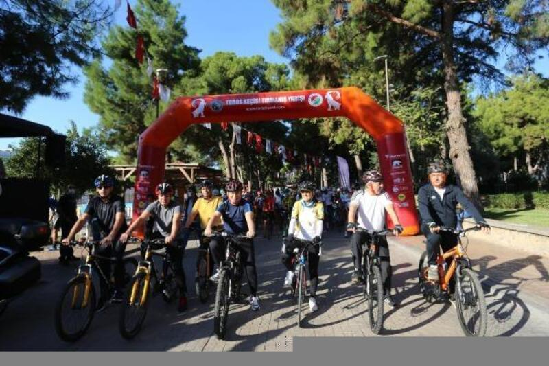 'Toros Keçisi' yarışında Başkan Tütüncü de pedal çevirdi