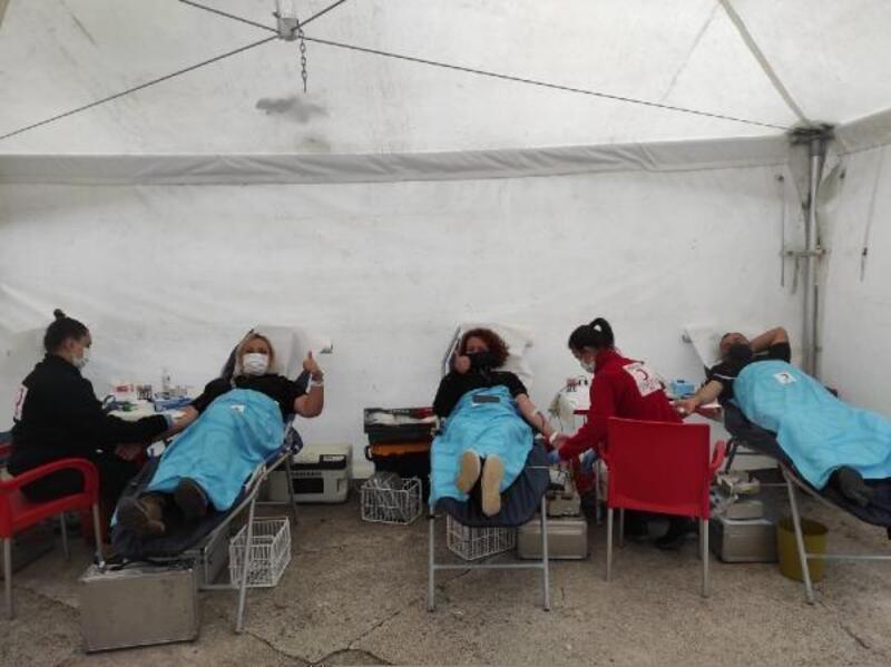 SARDOS üyeleri, önce doğa yürüyüşü yaptı, daha sonra kan bağışladı