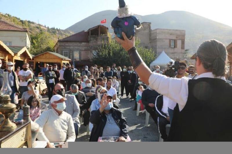 Talas'ta antika pazarına yoğun ilgi