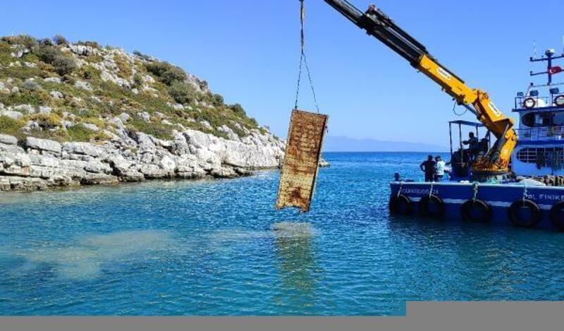 Finike'de deniz dibi temizliği