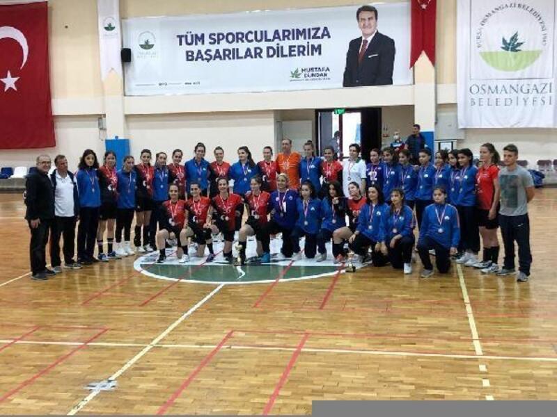 Osmangazi Belediyespor Hentbol Takımı 2. Lige yükseldi