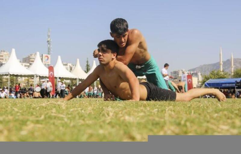 Geleneksel İsmet Atlı Karakucak Güreşleri Kozan'da yapıldı