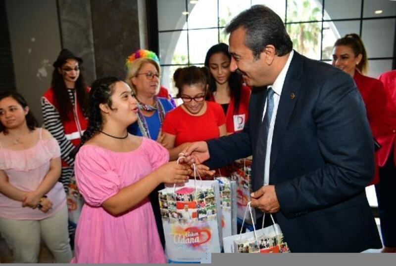 Başkan Soner Çetin, özel çocuklarla kahvaltıda buluştu