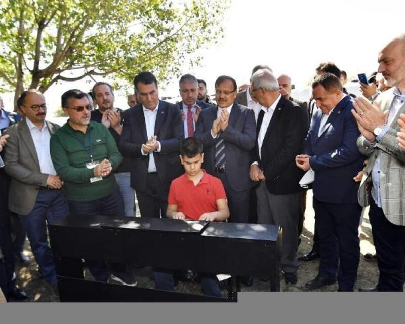 Osmangazi Belediye Başkanı Dündar'dan Kusursuz Kulak Bager'e yeni piyano sözü