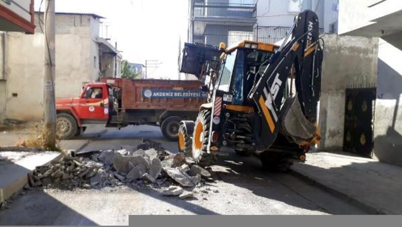 Akdeniz'de asfalt ve yenileme çalışmaları
