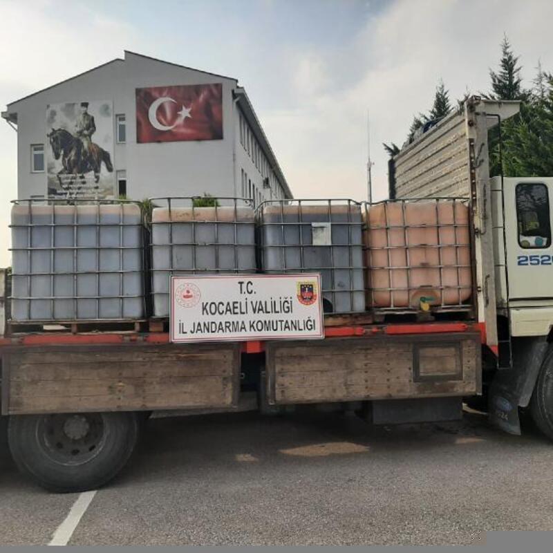 İzmit'te 6 ton kaçak akaryakıt ele geçirildi