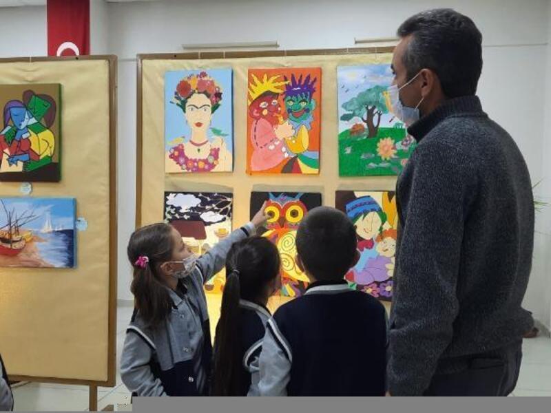 Öğrencilerin hazırladığı resim sergisi törenle açıldı