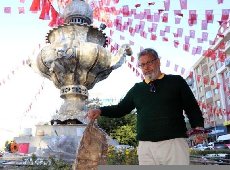 İranlı tasarımcı Van'a kurşun geçirmez semaver yaptı