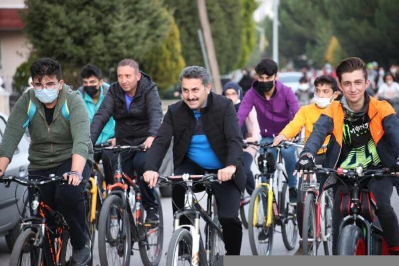 'Tokat için pedalla' etkinliğinde 60 kişiye hediye