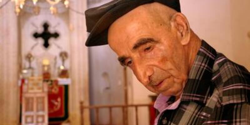 76 yıldır annesini manastırda bekliyor