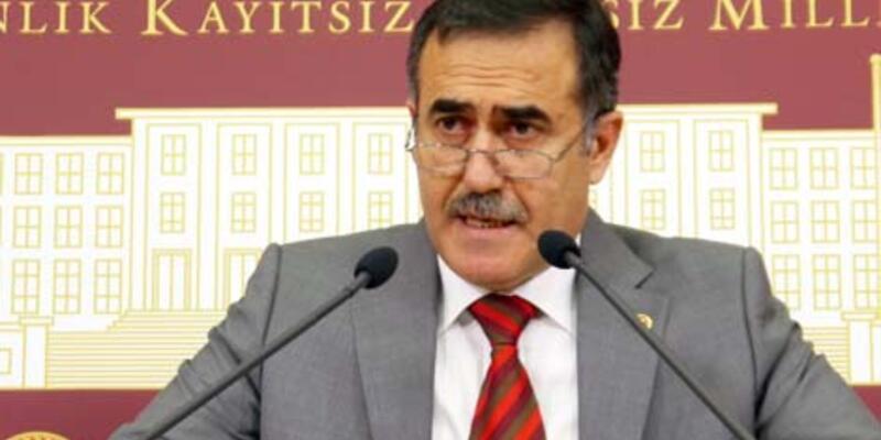"""İhsan Özkes: """"Müezzin yalan söylemediği için sürüldü"""""""