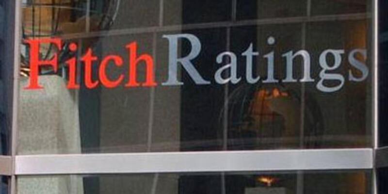 Fitch 5 Avrupa bankasının notunu kırdı