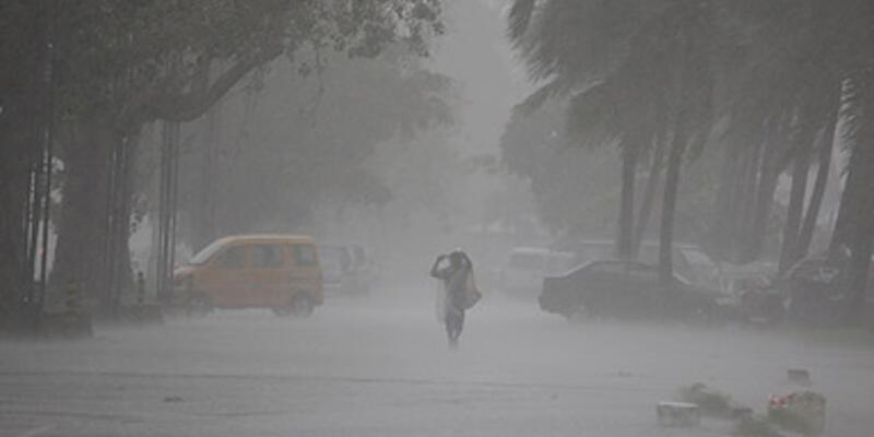 Çin tayfuna teslim: 33 ölü