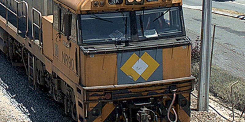 Acil fren yapan trenin korkunç sesi!