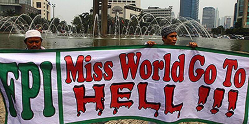 "Endonezya'da ""Miss World""a tepki yağıyor"