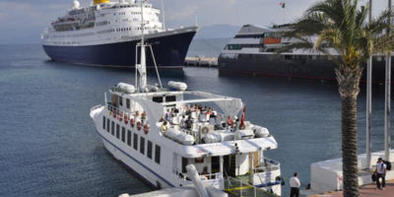 Yunanistan Türk feribotuna el koydu
