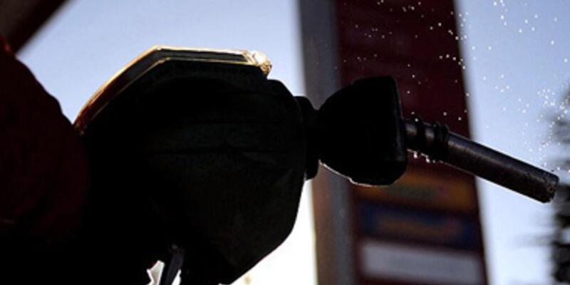 Benzinin litre fiyatı 12 kuruş ucuzladı