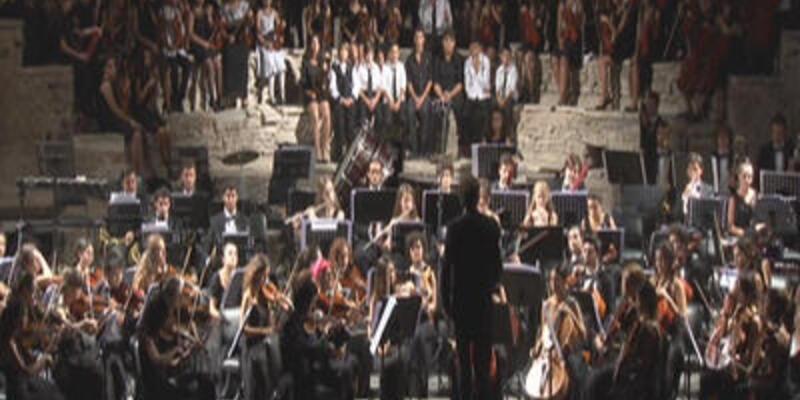Genç müzisyenlerden Aya İrini'de konser