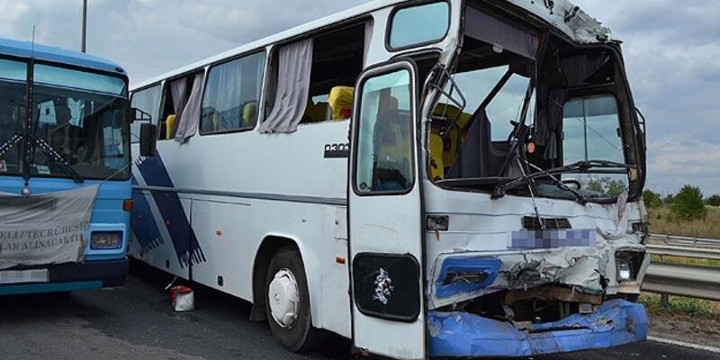 2 ayrı kazada bilanço ağır: 2 ölü 64 yaralı