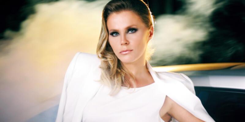 Ajda Pekkan'ın şarkısını söyledi