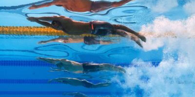Barcelona'da yüzme heyecanı sürüyor
