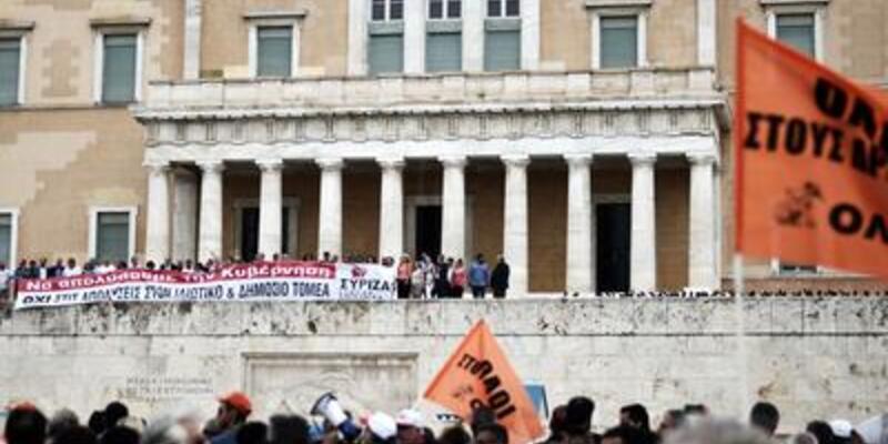 IMF'den Yunanistan'a fon onayı