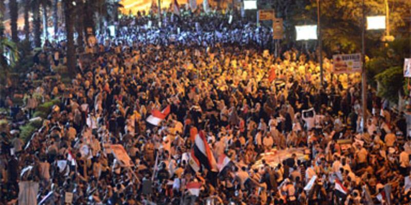 Mısır'da siyasi gözaltılar sürüyor