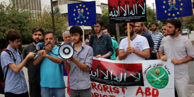 Mısır'daki ölümler Türkiye'de protesto edildi