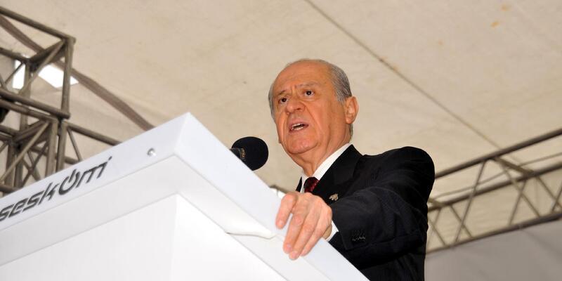 Bahçeli'den S. Arabistan ve Katar'a eleştiri