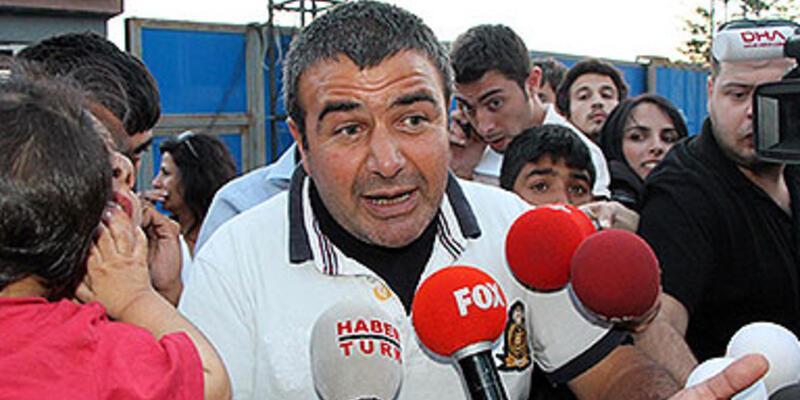 CHP'den bayrak satıcısı Ali Sarıçiçek'e bin bayrak