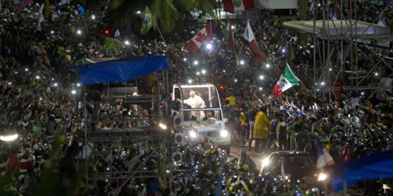 Papa için 1,5 milyon kişi toplandı